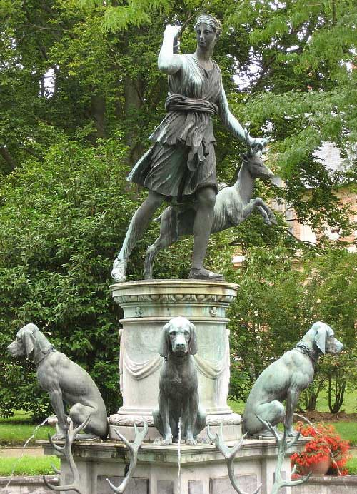 Artemis - The gardens of Fontainebleau